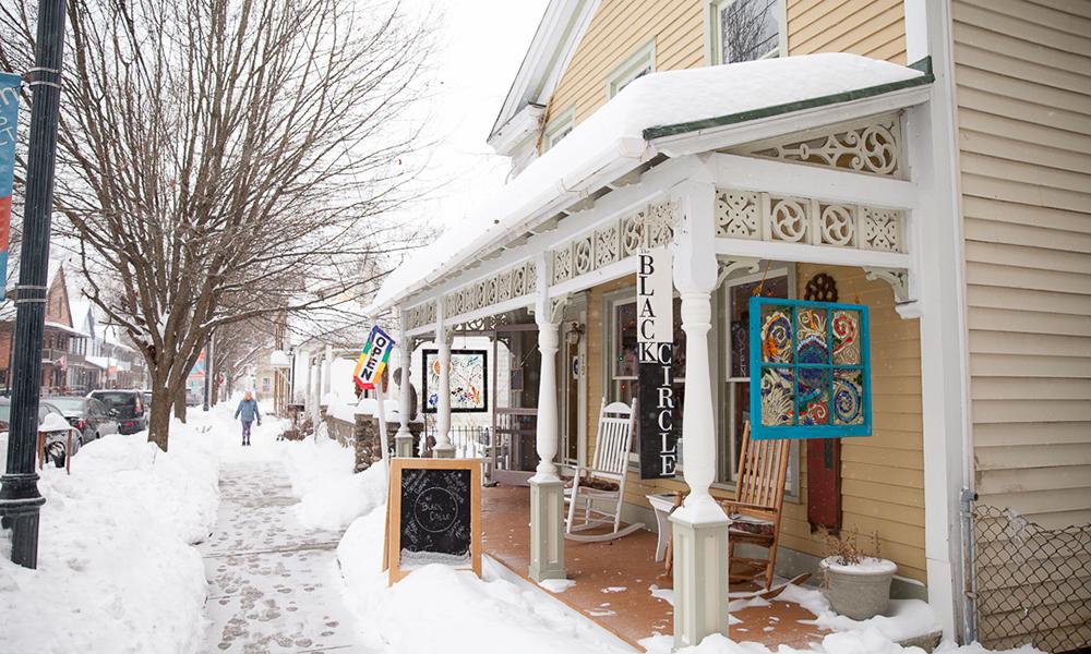 Saratoga Vintage Clothing And Vinyl Shop The Black Circle